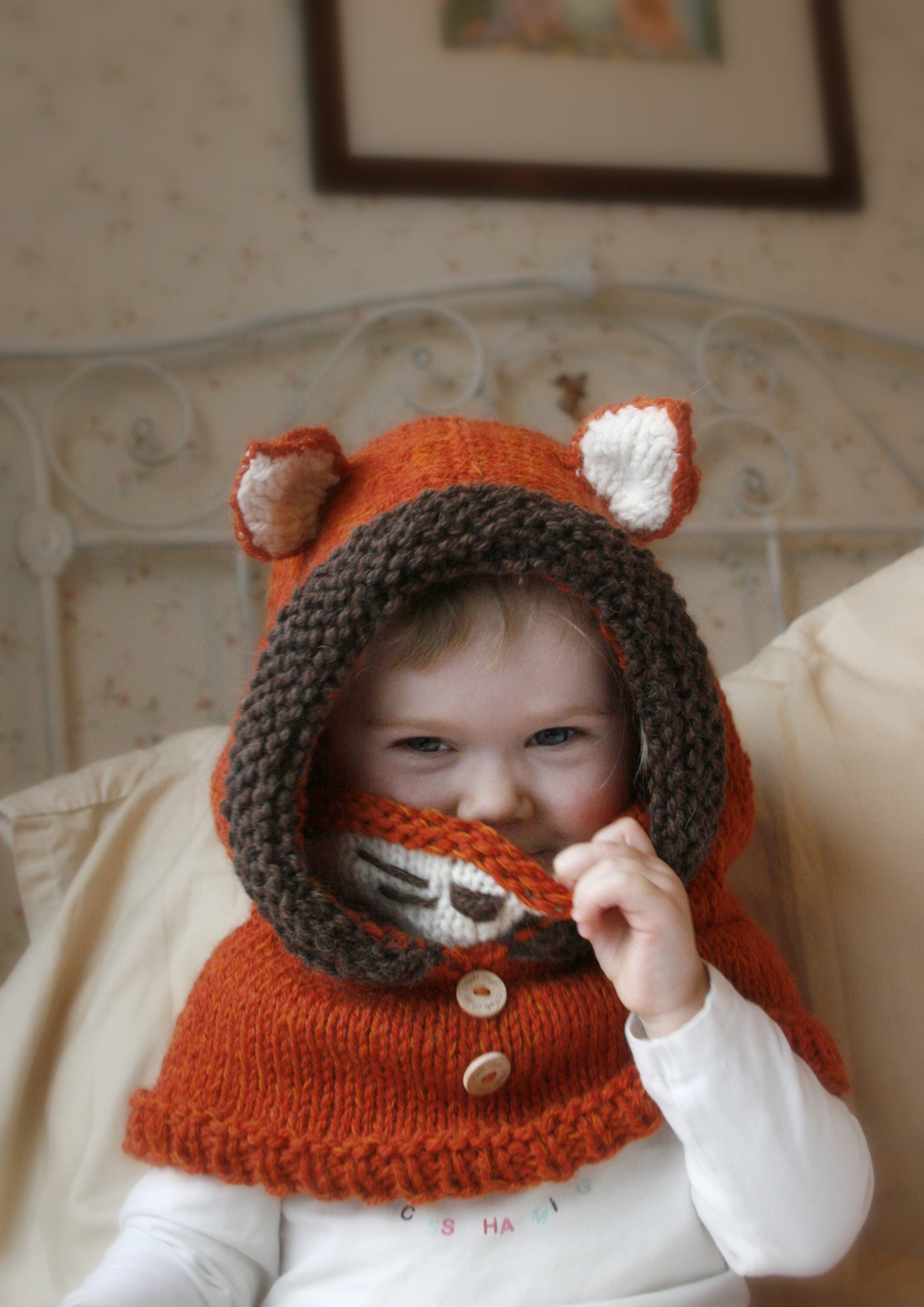 Childrens Hood Knitting Pattern : KNITTING PATTERN Fox Hood Cowl Rene (baby, Toddler, Child ...